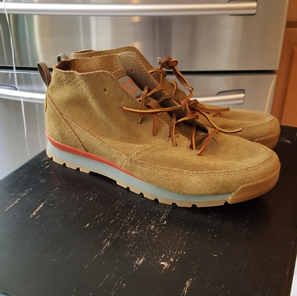952422d8d The North Face Back to Berkeley Redux Chukka Boots